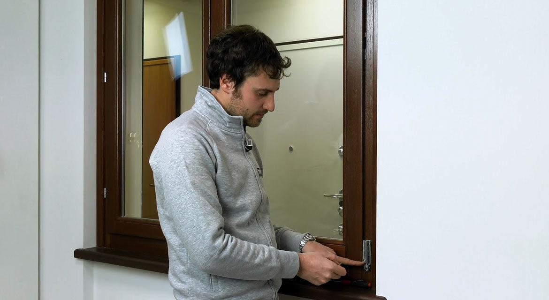 Video come registrare il meccanismo del sistema anta - Finestra vasistas meccanismo ...